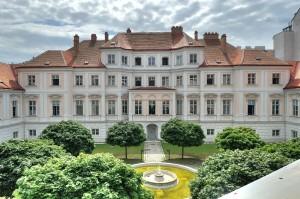 Palais-Strozzi-01